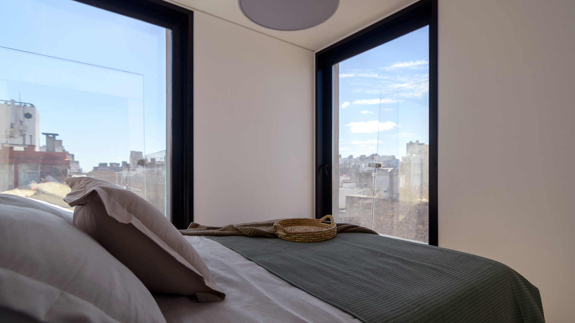 IXOU –Vision & Dev. Real Estate Montevideo Uruguay — Alma Corso by Carlos Ott